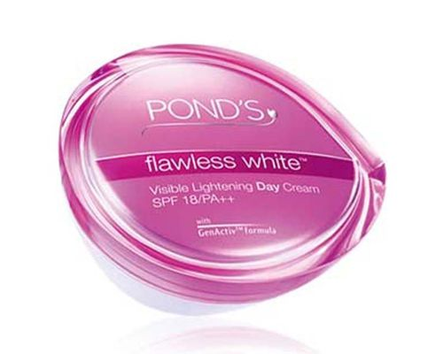 Pond's Flawless White Visible Lightening Day Cream SPF 18