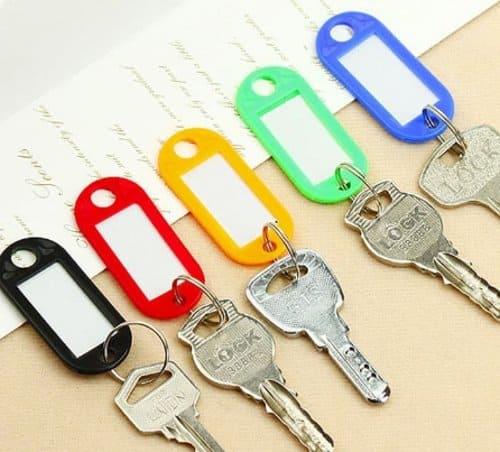 gantungan kunci plastik label nama